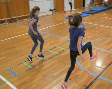 Atletický kruhový tréning na hodine telesnej výchovy ZdieľaťVložiťE-mail