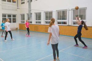Pozornejší volejbal s doplnkovým cvičením